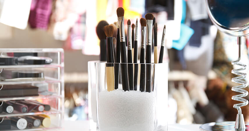Weu0027ve rounded up some of our favorite practical and pretty makeup storage ideas & Makeup Storage: 10 Creative Ways to Keep Your Makeup Organized